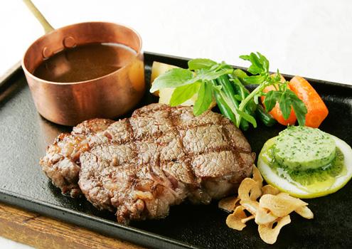 松阪肉炭火焼ステーキ